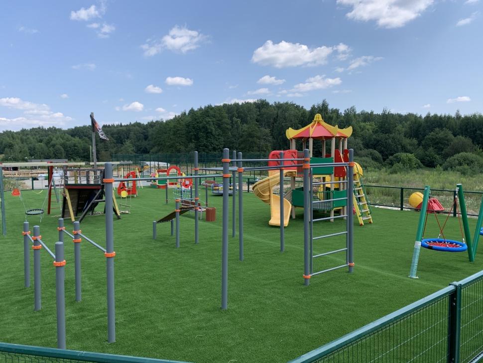 Детская площадка в КУТУЗОВО КЛАБ готова !